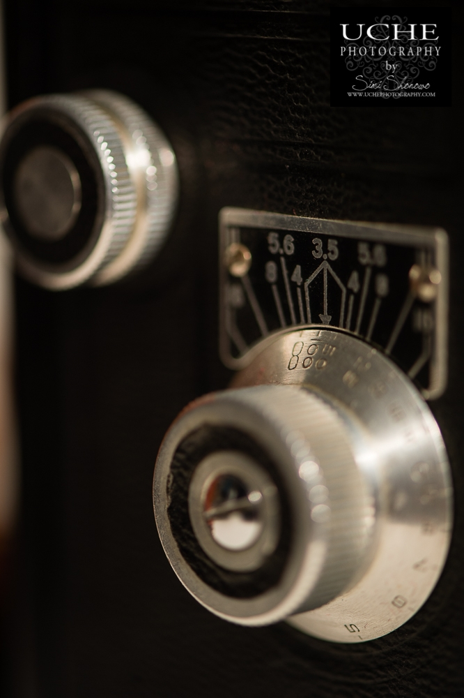 20190103.003.365.adjusting the dials